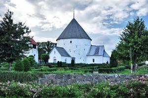 800px-Nylars_Church_(Bornholm)