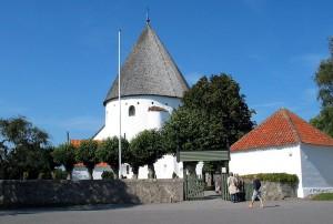 800px-Olsker-kirke-2003